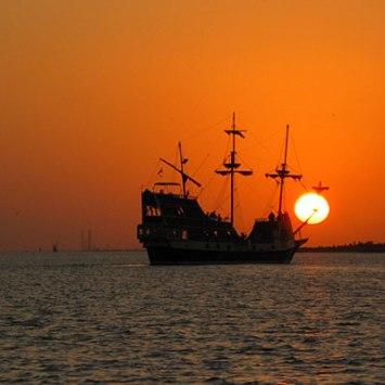 black-dragon-cruises-l
